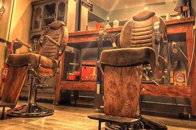 Barbearia com Mesa de Bilhar